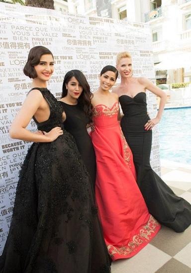 Sonam Kapoor Freida Pinto Homesman Premiere Cannes 2014
