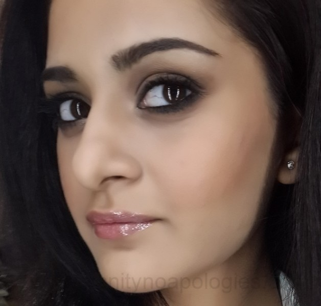 mila kunis signature smokey eye makeup look