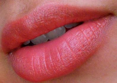 Clinique Chubby Stick Moisturizing Lip Colour Balm Mega Melon review lip swatch