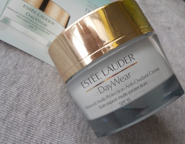 Estee Lauder DayWear Advanced Multi Protection Anti Oxidant Creme Broad Spectrum SPF 15 review