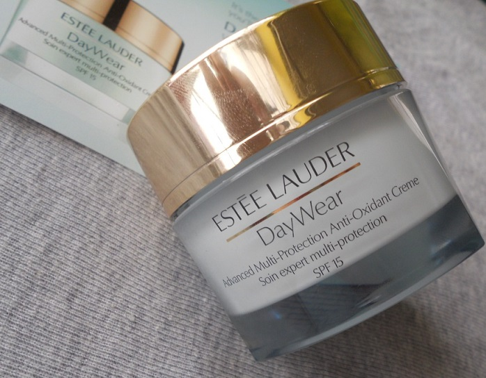 Review: Estee Lauder DayWear Advanced Multi Protection Anti ...