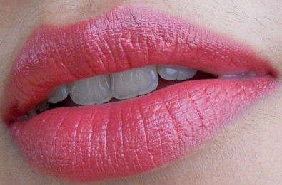 Estee Lauder Pure Color Envy Sculpting Lipstick Rebellious Rose review lip swatch