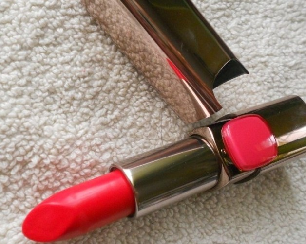 LOreal Paris Color Riche Moist Matte Lipstick Lincoln Rose review