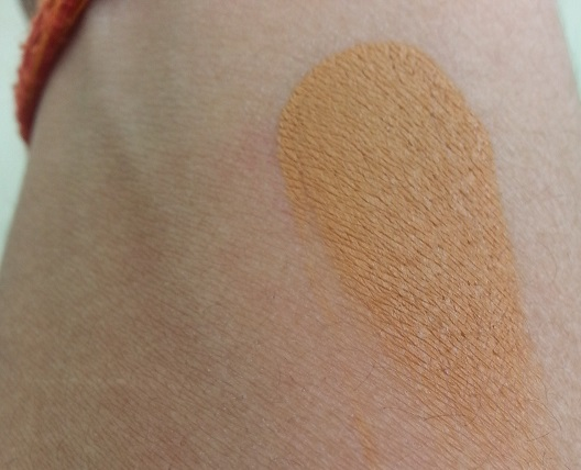 MAC Studio Finish SPF 35 Concealer review swatches