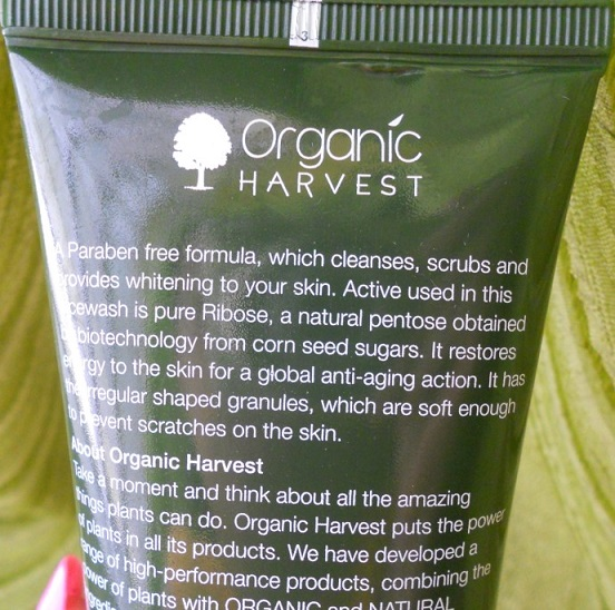 Organic Harvest 3 in 1 Face Wash Reviews