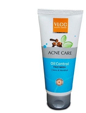 Best Face Wash For Oily Skin Available In IndiaVanitynoapologies - Best face wash for oily skin