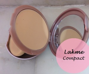 Lakme Nine to Five Flawless Creme Compact: Review and Swatches