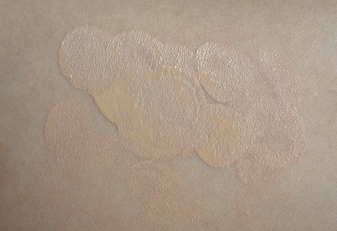 Loreal Paris Magic Nude Liquid Powder Foundation Review Swatches