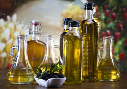 olive oil for natural diy shampoo recipe
