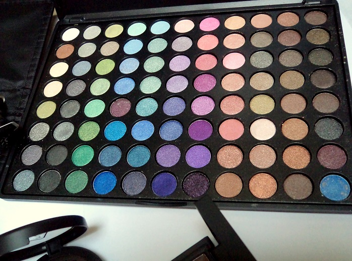 luxola zoeva cool Shimmer 88 Shade Palette shopping