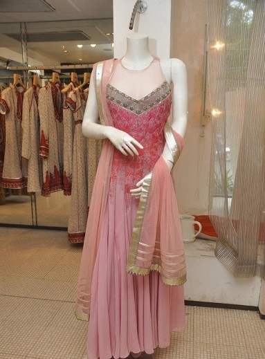 10-best-bridal-shopping-stores-boutiques-in-mumbai-for-lehengas-sarees