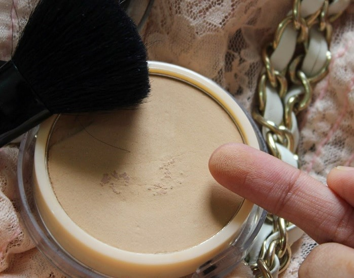 Coloressence-Compact-Powder-Beige-Review-swatches