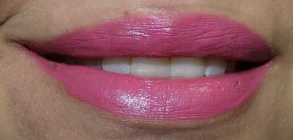 Estee-Lauder-Pure-Color-Envy-Sculpting-Lipstick-Powerful-Review-Swatch