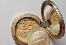 Lakme-9-to-5-Flawless-Matte-Complexion-Compact-Review-swatches-price