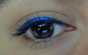 Maybelline-Hyper-Glossy-Electrics-Eyeliner-Electro-Shock-Review-Swatch