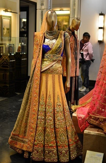 8828a12658 best-tarun-tahiliani-bridal-lehenga-collection-designs-prices (9 ...