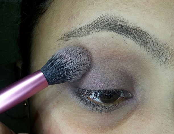 top-5-ways-to-apply-brown-eyeshadow (5)