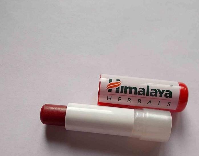 Himalaya-Herbals-Strawberry-Shine-Lip Balm-Review