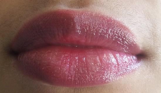 Lakme-Lip-Love-Lip-Care-Lip-Balm-Cherry-Review-swatch-lip