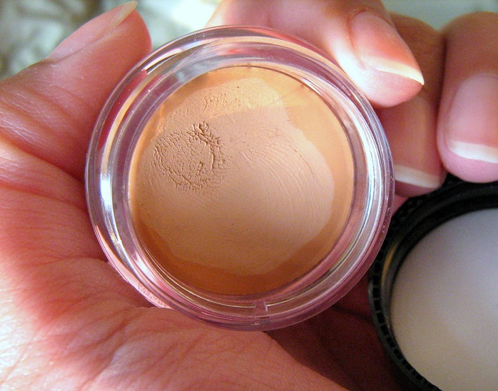 NYX-Above-and-Beyond-Full-Coverage-Concealer-Review