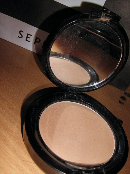 NYX-Stay-Matte-but-Not-Flat-Powder-Foundation-Review-Swatches-india