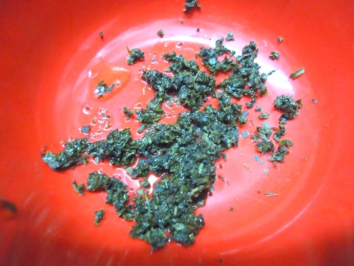 diy-green-tea-face-pack-at-home-step2