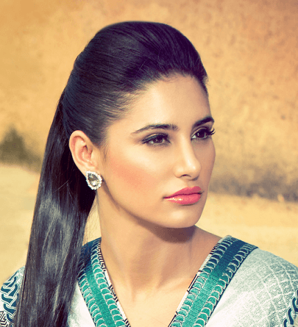 which-is-the-favourite-lipstick-of-nargis-fakhri