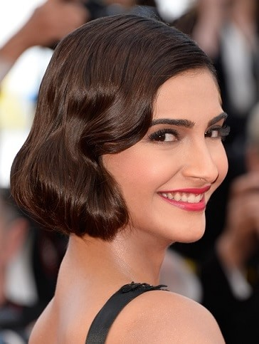 which-is-the-favourite-lipstick-of-sonam-kapoor