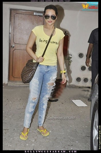 Sonakshi-Sinha-bollywood-actress-rocking-the-ripped-jeans-trend