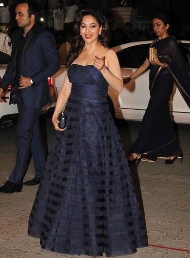 madhuri-dress-filmfare-awards-2015