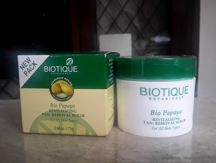 Biotique-Bio-Papaya-Revitalizing-Tan-Removal-Scrub-review