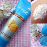 Everyuth Naturals Exfoliating Walnut Scrub: Review, Price