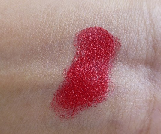 Lakme-Absolute-Red-Rush-Sculpt-Studio-Hi-Definition-Matte-Lipstick-review-swatches
