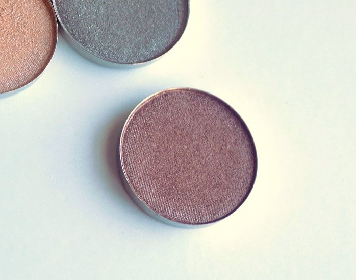 coastal-scents-hot-pot-eyeshadow-amaretto-review-swatches