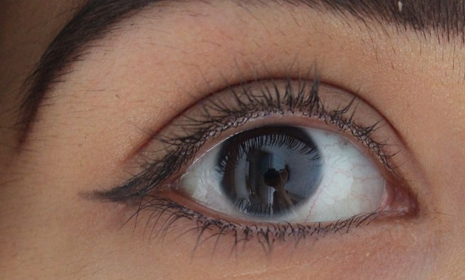 Essence-Lash-and-Brow-Gel-Mascara-Review-Swatches-on-eyes