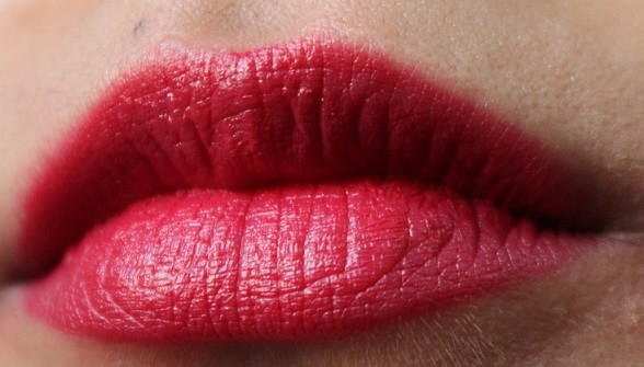 Essence-Longlasting-Lipstick-14-Adorable-Matt-Review-Swatch-lips