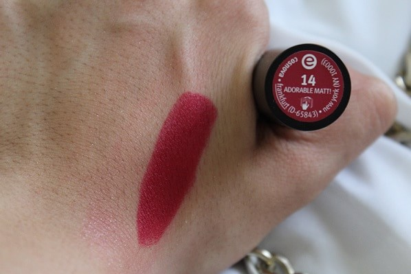 Essence-Longlasting-Lipstick-14-Adorable-Matt-Review-Swatches