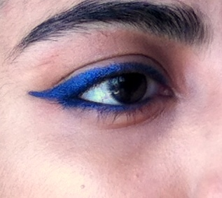 LOreal-Paris-Super-Liner-Gel-Intenza-36H-Royal-Blue-Review-Swatch-eyes