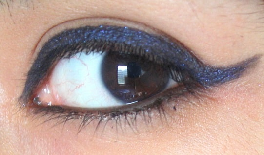 LOreal-Paris-Super-Liner-Gel-Intenza-Sapphire-Blue-Review-Swatch-eyes