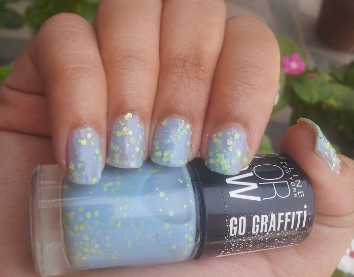 Maybelline-Color-Show-GO-GRAFFITI-blueberry-bomb-Nail-Polish-reviews-Swatches-price