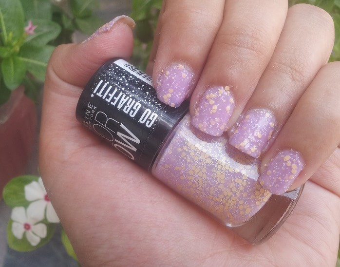 Maybelline-Color-Show-GO-GRAFFITI-lucky-lavender-Nail-Polish-reviews-Swatches-price