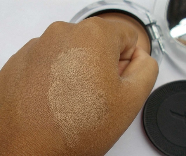 Faces-Glam-on-Prime-Perfect-Pressed-Powder-Review-Swatches
