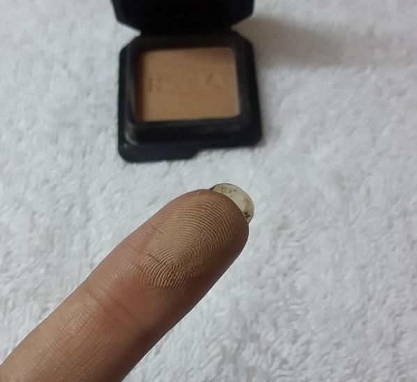 Benefit-Cosmetics-Hoola-Bronzing-Powder-Review-Swatches