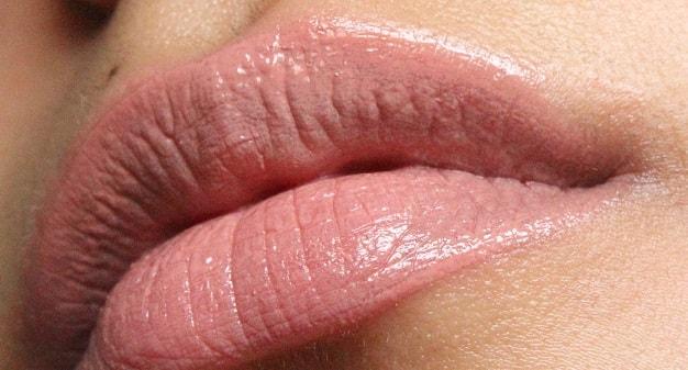 NYX-Mega-Shine-Lip-gloss-natural-review-swatch-lips
