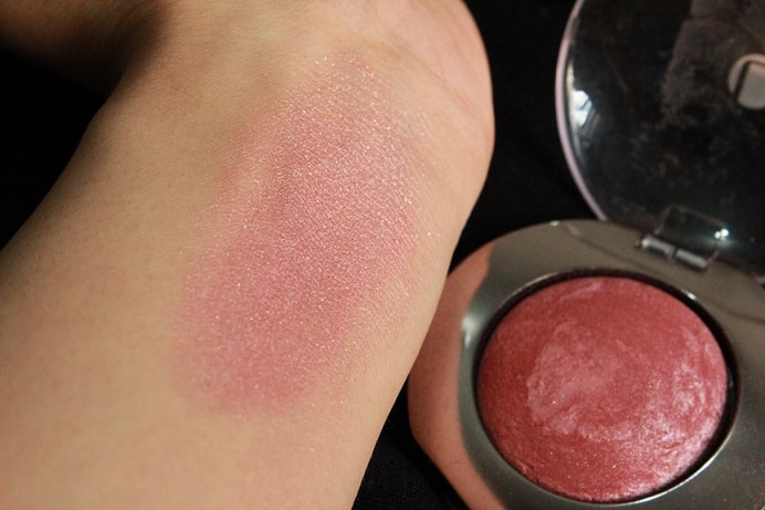 Lakme-Absolute-Cheek-Chromatic-Baked-Blush-Night-Sparkle-Review-Swatches