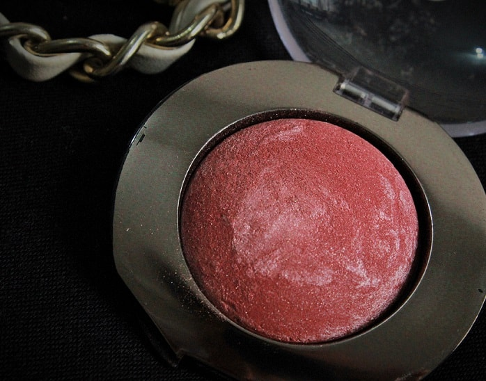 Lakme-Absolute-Cheek-Chromatic-Baked-Blush-Night-Sparkle-Review