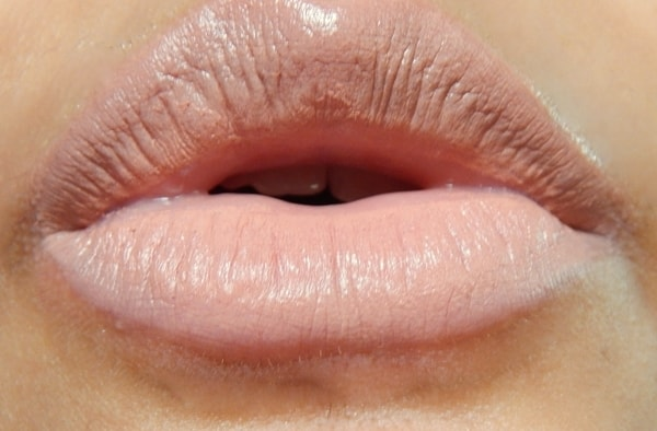 MAC-Honey-Love-Matte-Lipstick-Review-Swatches-lips