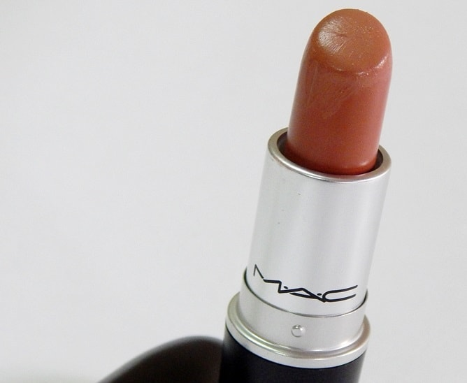 MAC-Honey-Love-Matte-Lipstick-Review