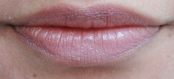 MAC-Syrup-Lipstick-Review-Swatch-lips
