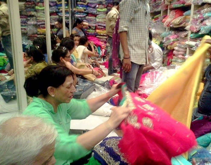top-10-bridal-lehenga-shops-in-chandni-chowk-delhi